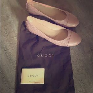 Pale pink original Gucci Flats. (Brand New)